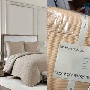 Luxury bedding bloomingdale's hampton full shams